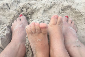stopy-na-piasku